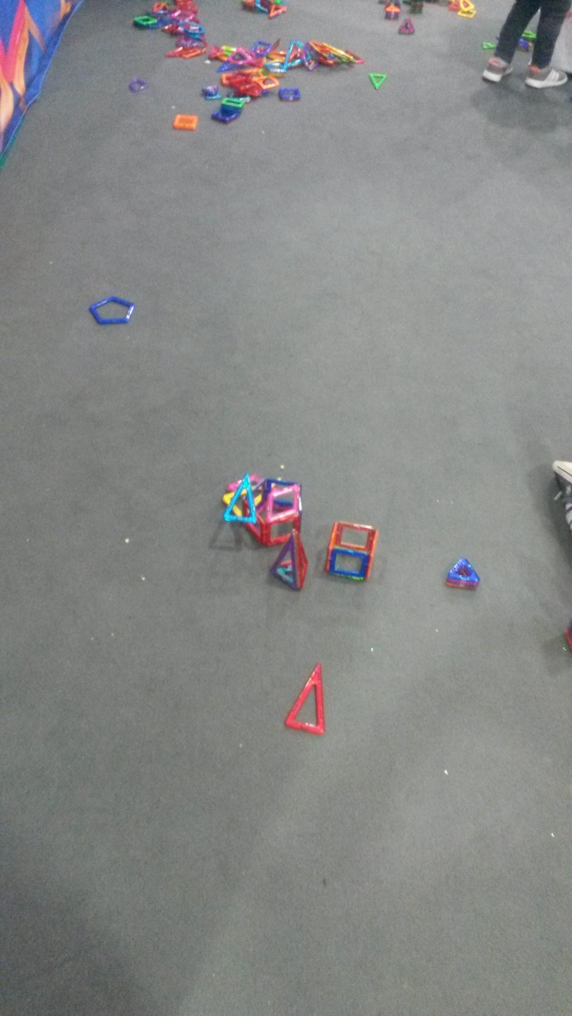 Des jeux magnétiques pratiques et colorés
