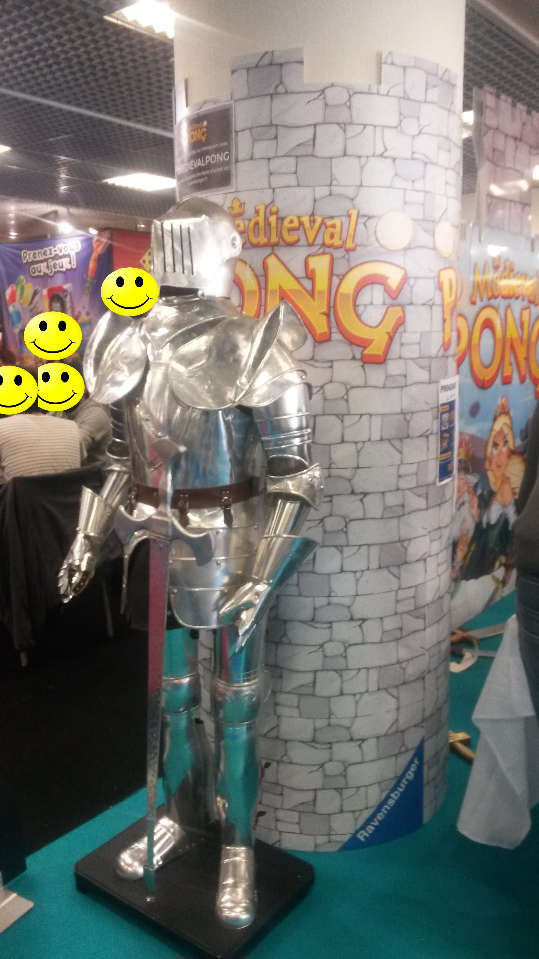 Medieval Pong et son chevalier en armure