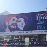 The official banner on the Palais des Festivals!