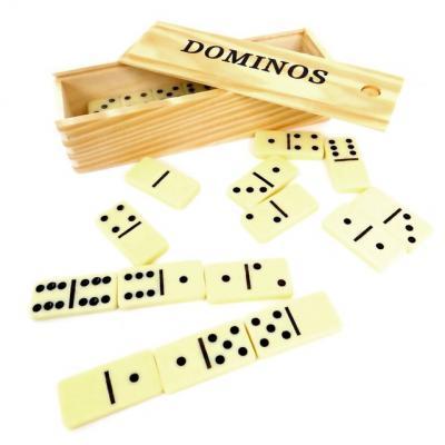 Domino et sa boite en bois